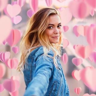 3D Pink Heart Garland