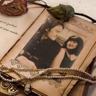 Vintage Memories Frame